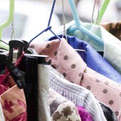 Vendre ses vêtements en ligne ou lors d'un vide-grenier : vente de vêtements d'occasion